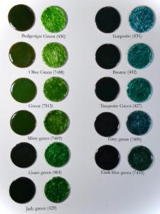 Fig 12: Smalti verdi trasparenti applicati direttamente su rame e direttamente su foglia d'argento puro.